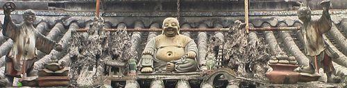 Buddha Dachfigur, China
